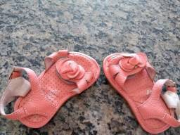 Lindos sapatinhos e sandálias para menina