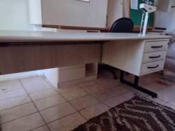 Mesa escritório  giroflex