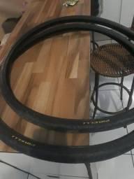 Vendo um par de pneu Pirelli aro 29 do fino uma semana de uso