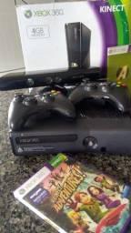 Xbox 360 desbloqueado com Kinect e 2 controles