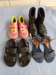 4 calçados Tam. 29 Bota preta, tênis com velcro, sandália Barbie, sandália jeans