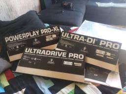 Behringer UltraDrivePro Dcx 2496, Ultra DI-PRO DI4000 e PowerPlay Pro-XL HA4700<br><br>