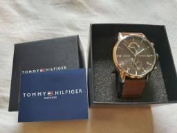 Relógio tommy hilfiger couro novo