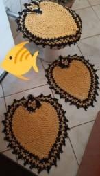 MUITO BARATO!!! Jogo de tapetes de banheiro em crochê.