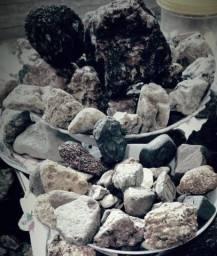 Mais de três mil pedras para revenda , coleção ou , decoração preço baixo