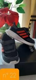 Tênis Adidas n° 22