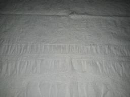 Toalha antiga de banquete de linho e renda de algodão. Linda