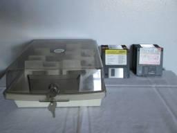 Disk Box Para Guardar Disquetes + 2 Chaves + 23 Disquetes