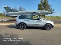 Vendo ou troco uma linda BMW 4x4 X5 completa raridade 155 mil km top!