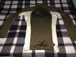 Camisa manga longa com proteção UV