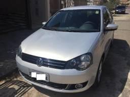 Vw - Volkswagen Polo - Baixissima quilometragem e abaixo da tabela - 2014