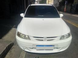 Gm - Chevrolet Celta 2002 mod. 2003 branco 2 portas básico trava alarme - 2003
