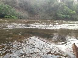 Troco um lote com acesso ao rio Coxipó