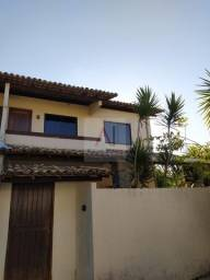 Casa 3/4 duplex em Buraquinho, cond com piscina, com área