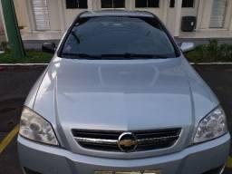 Astra 2010/2011 com GNV homologado. Faz 240 Km com R$ 40,00 na estrada