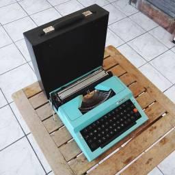 Toda funcional Maquina de datilografia antiga - antiguidade