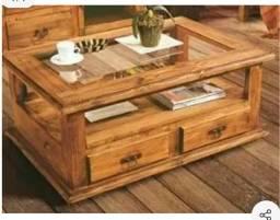 Mesa de centro em madeira sob medida
