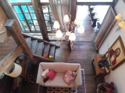 Murano Imobiliária vende 2 casas no mesmo quintal no Centro, Vila Velha - ES.