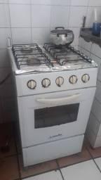 Fogão , geladeira e bvtij#o