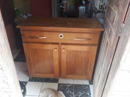 Vendo essa cômoda de madeira maciça