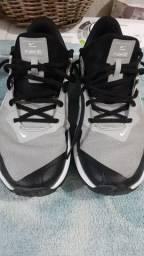 Tênis Nike Varsity R3 Novo