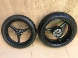 Rodas e pneus CBR