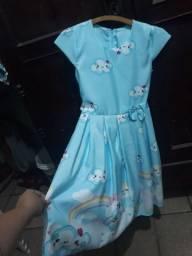 Vestido novo Tamanho G serve 6 a 8 anos