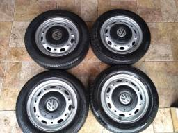 Rodas aro 14 originais vw 5 furos , calotinhas Amarok+ pneus . barato