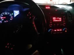 Carro Kia Cerato