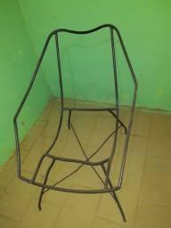 Cadeira de ferro no ponto de enrolar