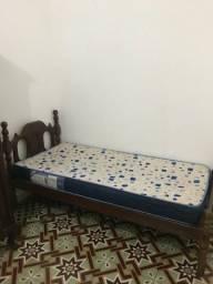 Alugo quarto para mulheres na Av. do Contorno