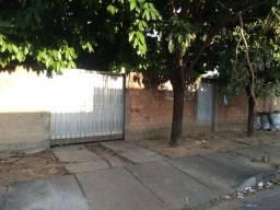 Vendo essa casa no bairro Santa luzia, 150 metros da Escola Vanda Pinto.