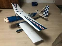 Aeromodelo Ultimate  anos 80 impecável para motor 20 cc