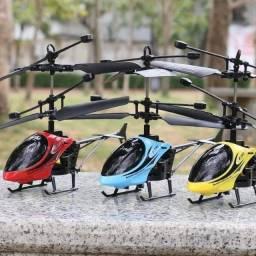 Helicóptero de brinquedo que voa com sensor de mão