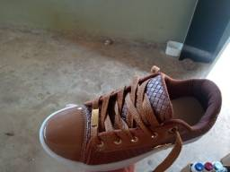Vendos varios pares de calçados preço de fabrica motivo das venda fechamento de loja