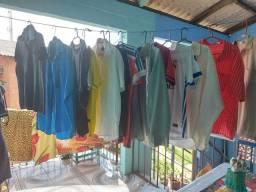 Vende se roupas usadas