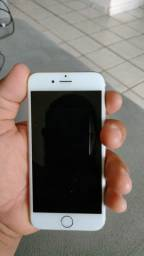 iPhone com bateria 70% 350,00