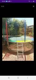 Locação de cama elástica ( pula pula ) piscina de bolinhas e jogos de mesa