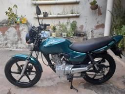 Titan 125 2000 completa .. moto Extra**