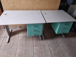 Mesas com gaveteiro