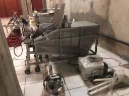 Máquina que faz pó de açaí