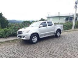Toyota Hilux 3.0 Srv aut 2014 4x4 - 123 mil km