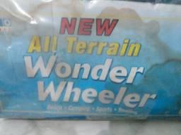 Título do anúncio: Carrinho carrega tudo, de praia. The wonder wheeler.