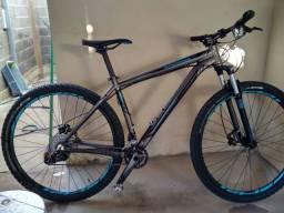 Bicicleta specialized rockhopper aro 29,  sram Tam 19