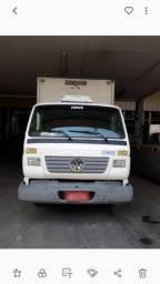 Vende-se caminhão 8-120