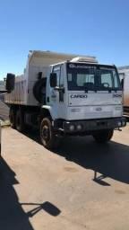 Ford Cargo 2626 6x4 caçamba - 2004
