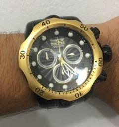 d1a009c370d Relógio Invicta Venom 23895 Masculino 54 MM Dourad