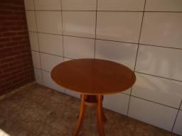 Mesa redonda de madeira maciça,nova