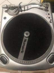 Toca discos Numark TT1650 DD
