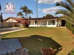 Linda chácara com escritura, 03 quartos, piscina, área gourmet e próxima da cidade